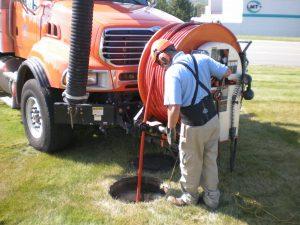 utilisation du camion pompe pour déboucher la fosse septique