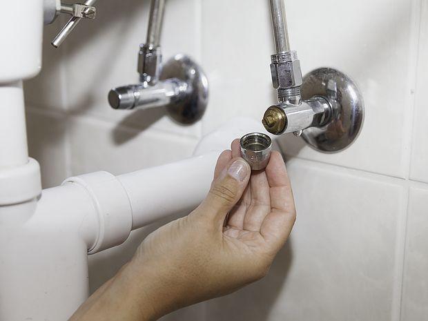 Inspection raccordement lavabo